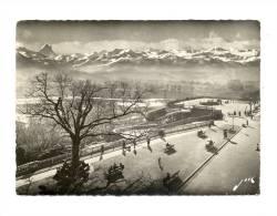 Cp, 64, Pau, La Chaîne Des Pyrénées Vue Du Boulevard, Voyagée 1956 - Pau