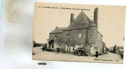 Le Gavre  44   Vieille Maison 'Haut De La Grande Rue Animée - Le Gavre