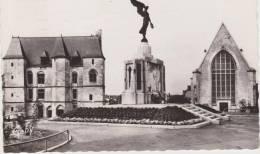 ARGENTAN ...LE MONUMENT AUX MORTS - Argentan