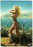 CPSM Couleur LA COTE D'AZUR 2746 ILE DU LEVANT 83 Var NATURISTE Jeune Fille Femme Blonde Seins Nus Naturisme Nudisme - Ohne Zuordnung