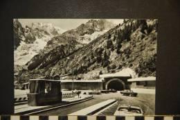 CP, Italie, Courmayeur Entreves Entree Au Nouveau Tunnel Et Le Mont Blanc Automobiles - Italie