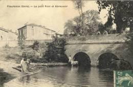 CPA (32)  FLEURANCE  Le Petit Pont Et L Abreuvoir - Fleurance