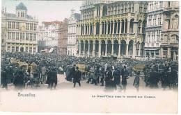 Bruxelles La Grande Place  Avec La Marche Aux Oiseaux - Plätze