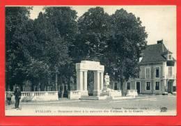 AVALLON MONUMENT AUX MORTS 1914 1918 BANQUE SOCIETE GENERALE CARTE EN BON ETAT - Avallon