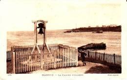 CPA BIARRITZ 64 La Cloche D Alarme Animation - Biarritz