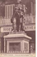 83 SAINT TROPEZ  Coin Du VILLAGE  STATUE Du Bailli DE SUFFREN  Sculpture - Saint-Tropez