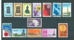 Nigéria: 257/ 269 ** - Nigeria (1961-...)