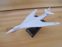 Miniature + Socle AVION  Chasse TUPOLEV TU 160I   -   Metal - Avions & Hélicoptères