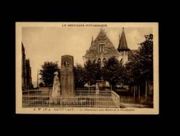 22 - SAINT-CAST - Le Monument Aux Morts Et Le Presbytère - 7814 - Saint-Cast-le-Guildo