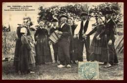 Cpa Du  85 Challans Et Ses Environs Le Marais Maraichins Dansant La Maraichine   PLOZ8 - Challans