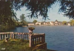 Cp , 87 , PEYRAT-LE-CHATEAU , Les Bords Du Lac , Voyagée , Ed : Théojac - Autres Communes