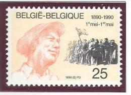 Belgique 2366 **  -- Moins Que La Poste !  -- - Belgium