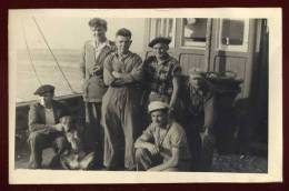 Cpa Carte Photo à Bord D'un Bateau De Pêche  PLOZ12 - Pêche