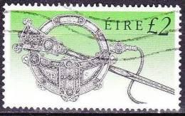 IRELAND EIRE 1990 Irish Ancient Art  £ 2,- Michel 728 A I - 1949-... Republiek Ierland