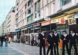 D 83) Toulon Promenade Sur Le Quai Stalingrad - Toulon