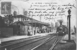 LE PECQ     *** Intérieur De La Gare  ***  Cpa Très Animée Et Peu Courante - Le Pecq