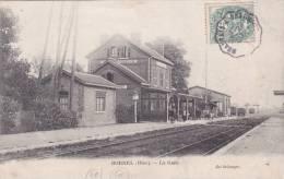 R60 - BORNEL - La Gare - Voyageurs Sur Le Quai - Gares - Sans Trains