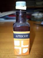 Apricot: Bottiglia Mignon Tappo Plastica. Stab. Illva Su Lic. Roy & C. - Charente France - Licor Espirituoso
