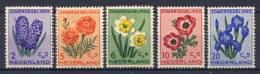 Olanda 1953 Unif. 590/94 **/MNH VF/F - Period 1949-1980 (Juliana)