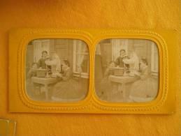 Photo Stereoscopique - Enfant Autour De Jeux De Poupee En Couleur - Stereoscopic