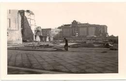 Photo 7x11,5cm ,    Naples En 1947 , Lire Au Verso , Photo Propre - Napoli