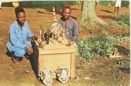 0538. Postal CAMERUN. Cameroun Founban. Artesanos - Camerún