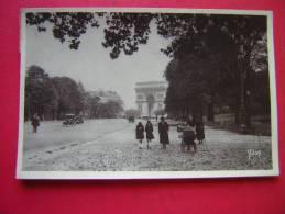 CPA  PHOTO  75 PARIS L'AVENUE DU BOIS DE BOULOGNE ANIMEE   VOYAGEE 1927  CARTE EN BON ETAT - Parks, Gardens