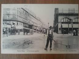 Paris Vécu L´arroseur Public - Straßenhandel Und Kleingewerbe