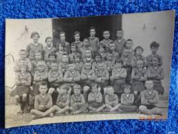 Carte Postale -photo 13.5cmx9cm-enfants-- -uniforme Identique -colonie De Vacances A Determiner ?1932 - Personnes Anonymes