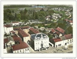 CPSM Montchanin (71) - Vue Aérienne - L´Hôtel De Ville Et Les Ecoles (Véritable Photo Au Bromure) - Frankrijk