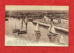 * LES SABLES D´OLONNE-Le Port...(Usine Au Loin?) - Sables D'Olonne