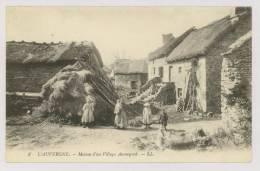 AUVERGNE : Maison D'un Village Auvergnat - Ferme, Paysans *f5294 - Auvergne