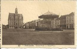 OUDENAARDE : Groote Markt - Grand Place - Uitgave A. De Meester, Oudenaarde - Cachet De La Poste 1945 - Oudenaarde