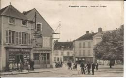 Cpa, Puiseaux (Loiret), Place Du Martoi, Très Bien Animée - Puiseaux