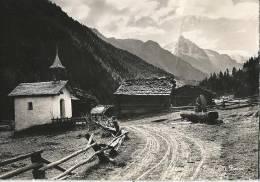 Zinaltal - Kapelle, Häuser Und Brunnen          Ca. 1950 - VS Valais
