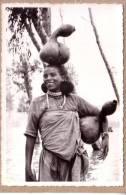 ETHIOPIE - CARTE POSTALE SANS LEGENDE OU PHOTO EXPEDIEE EN CARTE POSTALE - FEMME PORTEUSE D´EAU - Ethiopia