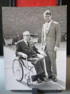PHOTOGRAPHIE ANCIENNE : SENATOR ROBERT KENEDY VISITOR FOR DOCTOR ARIAS PANAMIAN DIPLOMAT PANAMA MAY 15tH 1965 - Personalidades Famosas