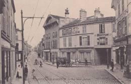 - 103 - CHALONS-sur-MARNE - La Rue Saint-Jacques - Hôtel De La Cloche - Bureau D'Omnibus Mouton - Photographe Durand - Châlons-sur-Marne