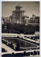 Espagne--MADRID - Jardines Del Palacio De Orlente, Al Fondo Edificio Espana  Cpsm 10 X 14,5 N° 4052 éd Campana - Madrid