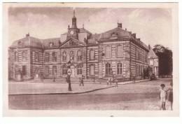 Sainte Menehould.51.hotel De Ville.animée. - Sainte-Menehould