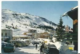 Savoie :  COURCHEVEL  :  Vue  , Les Pistes De La  Loze  (  Ds Citroën - Camion  J9  ) - Courchevel