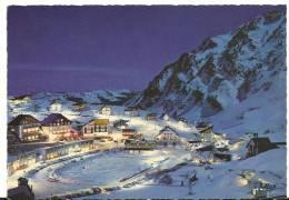 Hautes  Pyrénées :  LA  MONGIE  : Vue   Clair De Lune  Sur La  Station - France