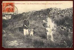 Cpa Du 93 Aubervilliers Les Chiens Policiers Au Dressage , L' Attaque D'un Apache    PONT5 - Aubervilliers
