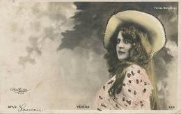Folies Bergeres Véréna Photo Reutlinger Ajoutis Brillants  Belle Blonde - Kabarett