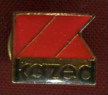 Pin's -  Portes De Placards Marque Kazed - - Marcas Registradas