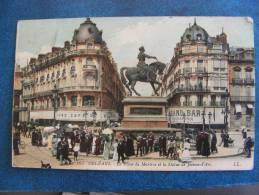 CPA...ORLEANS..LA PLACE DU MARTROI ET STATUE DE JEANNE D ARC..PLAN ANIME..1907 - Orleans