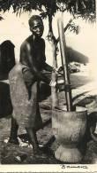 28Mq   MALI BAMAKO PHOTO FEMME PILEUSE - Mali