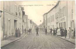 79 - Mauzé-sur-le-Mignon -animation Dans La Grande Rue - édit; E. Cluzeau - (voir 2 Scans). - Mauze Sur Le Mignon