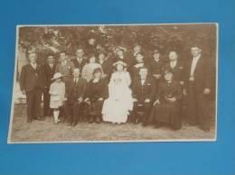 CPA 84 MALAUCENE Carte Photo Communion Famille Voir Legende Au Dos - Malaucene