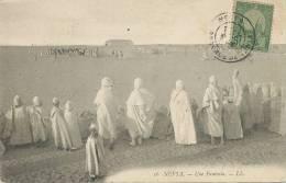 Nefta 16 Une Fantasia Timbrée Nefta Envoi 1908 Producteur De Dattes L. Grech Vers Batdaf - Tunisie